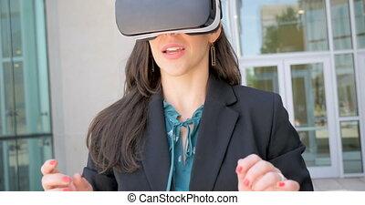 casque à écouteurs, femme, réussi, réalité virtuelle, célébrer, vr, heureux