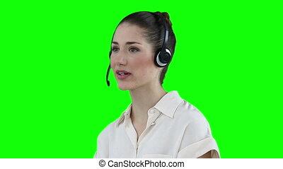 casque à écouteurs, utilisation, femme, communiquer