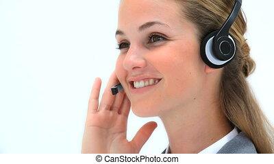 casque à écouteurs, utilisation, femme souriant