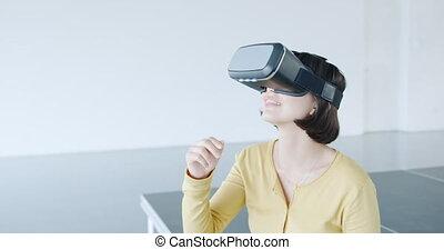 casque à écouteurs, weraing, vr, bureau, moderne, femme