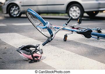 casque rose, fracas, voiture, après, lignes, gosse, bleu, piéton, vélo