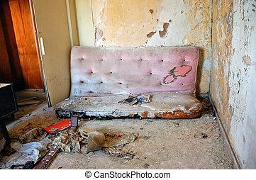 cassé, divan