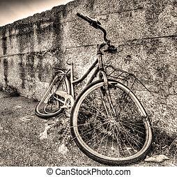cassé, vélo, tonalité sepia