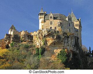Castle, Montfort , fortification