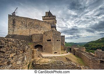 Medieval castle of castelnaud la chapelle, dordogne, perigord, France