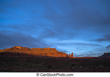 Castle Valley at Sunset, Moab Utah route 128 - Route 128...