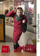 Customer woman in shopping centre - Casual dressed lady ...