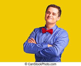 casual, homem, em, camisa, ligado, amarela, experiência.