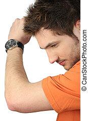 casual, homem jovem, desgastar, relógio pulso