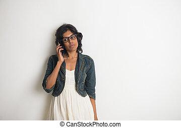 casual, indianas, femininas, com, cinzento, fundo