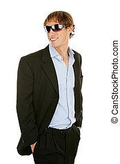 casual, jovem, homem negócios, em, óculos de sol