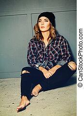 Casual Woman. Fashion Portrait