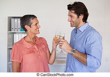 casuale, riuscito, squadra affari, tostare, con, champagne