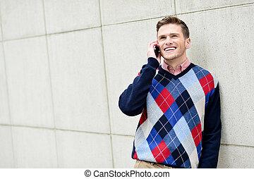 casuale, tipo, parlando telefono cella