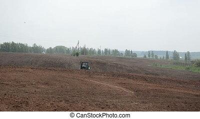 cat tractor harrow field - Caterpillar cat heavy tractor...