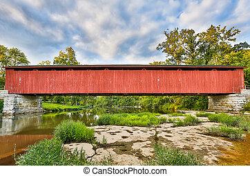 cataracte, pont couvert, sur, moulin, ruisseau