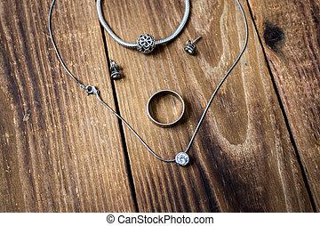 catena, legno, braccialetto, pendente, fondo, orecchini, anello