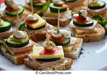 Catering food, picure of a well decorated catering food