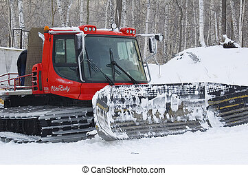Caterpillar snowplow - Ski slope servise is caterpillar ...