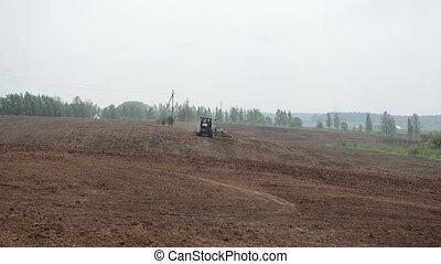 caterpillar tractor - Caterpillar tractor harrow...
