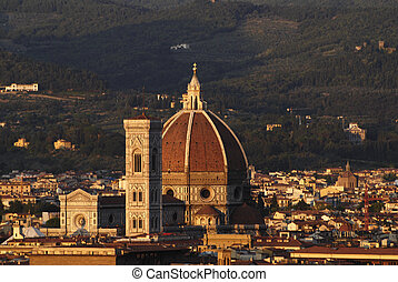 Cathedral in Florence and night - Beautiful renaissance...