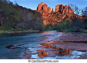 Cathedral Rocks Sedona Arizona - Cathedral Rocks rising ...