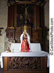 Catholic consecration - Moment of consecration by a priest ...