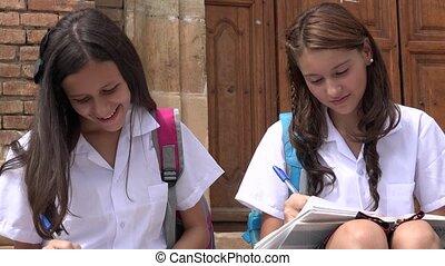 catholique, eduquer filles, écriture