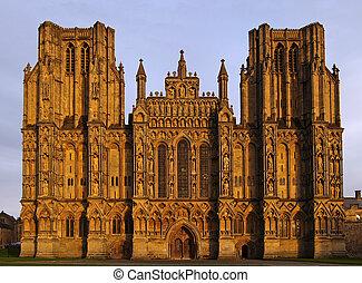 cattedrale, pozzi