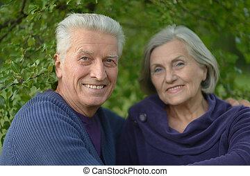 caucasian, elderly kopplar ihop
