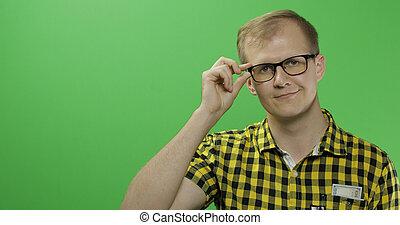 caucasico, camicia, testo, giallo, o, posto, glasses., logotipo, tuo, uomo