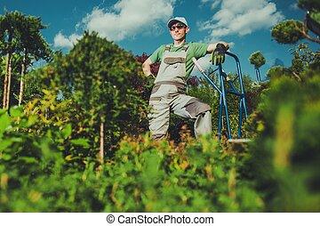 caucasien, jardinier, heureux