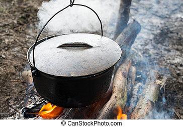 cauldron, ligado, a, fogo aberto