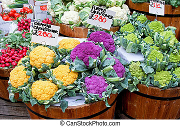 Cauliflower and Romanesque - Colorful cauliflower and...