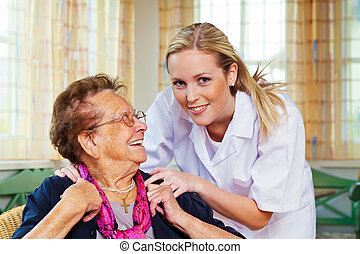 cautela casa, de, a, senhora velha