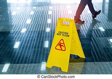 """caution, molhados, floor"", sinal"