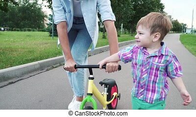 cavalcade, enseigne, fils, maman