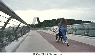cavalcade, fauteuil roulant, handicapé, maman, girl, ...