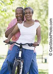 cavalcata, coppia, anziano, ciclo