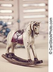 cavallo oscillante legno