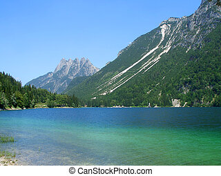 Cave del Predil lake