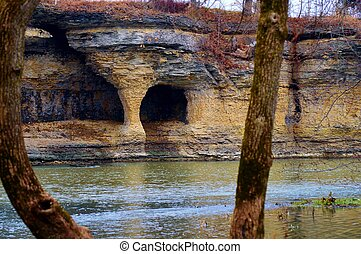 7 Pillars along the Mississinewa River in Indiana