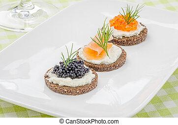caviar,  Salmón,  Canapes