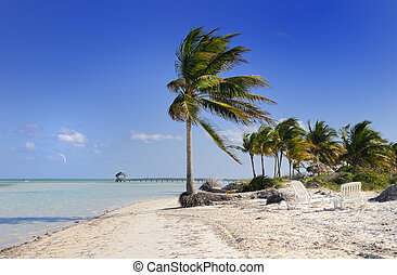 Cayo guillermo, cuba - A view of tropical idyllic beach in ...