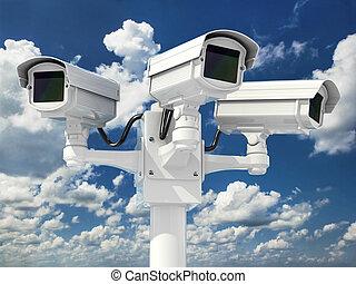 cctv, 安全照像机, 上, 雲, 天空, 背景。