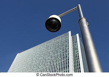 cctv, sicherheitskamera, bei, wolkenkratzer, gebäude