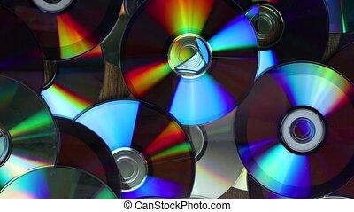 CDs pila panning