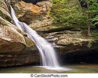 Cedar Falls - Hocking Hills Waterfall - Cedar Falls is a...
