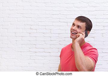 cel, smartphone, ruimte, het kijken, telefoongesprek, spreken, kopie, man