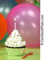 celebração, com, balões, velas, e, bolo